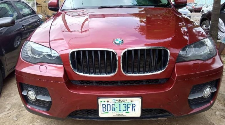 Neat Nigerian used 2011 BMW X6 Automatic Petrol well maintained-6