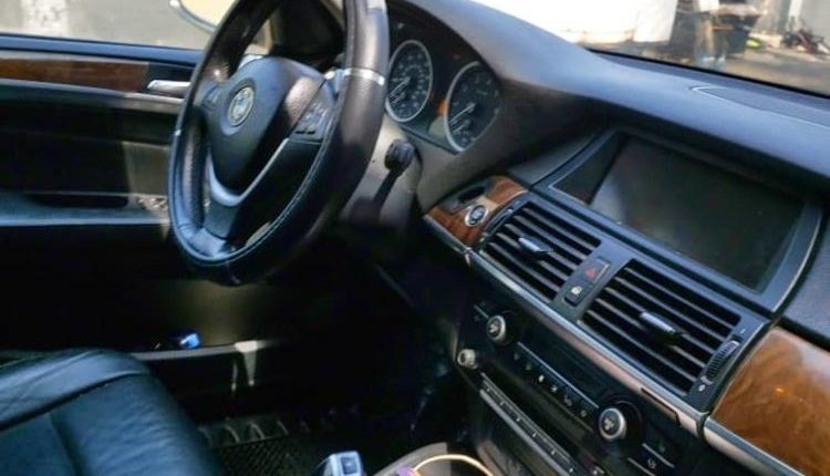 Clean Foreign used 2010 BMW X6 -0
