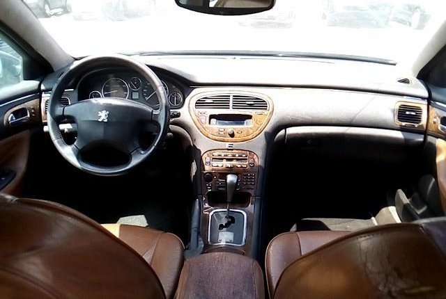 Neat Nigerian used Peugeot 607 2009 -3