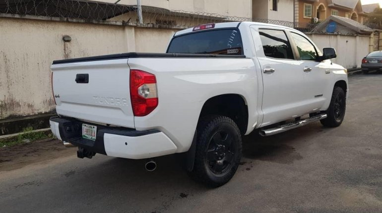 Super Clean Foreign used Toyota Tundra 2016-4