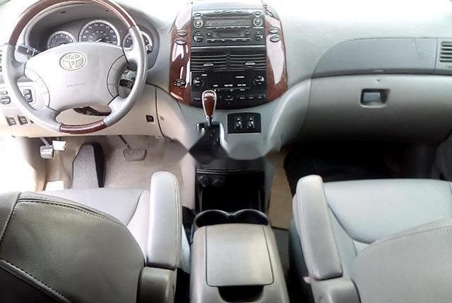 Nigerian Used Toyota Sienna 2004-3