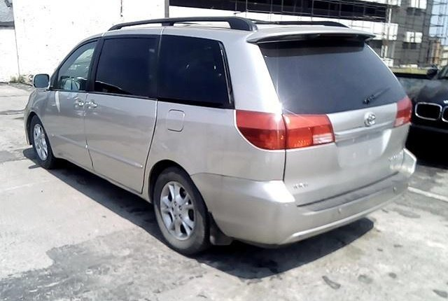 Nigerian Used Toyota Sienna 2004-5