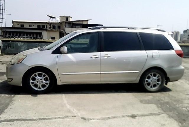 Nigerian Used Toyota Sienna 2004-8