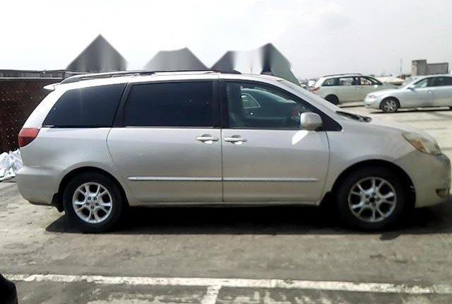 Nigerian Used Toyota Sienna 2004-7