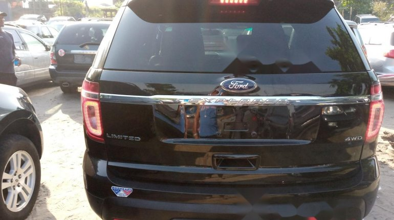 Very Clean Foreign used Ford Explorer 2012-8