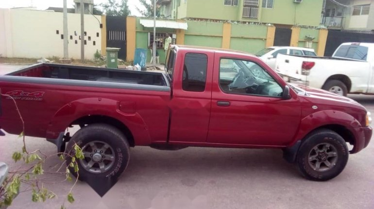 Foreign Used Nissan Frontier 2004 Model Red-7