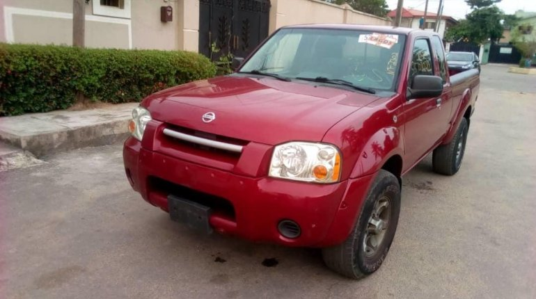 Foreign Used Nissan Frontier 2004 Model Red-0