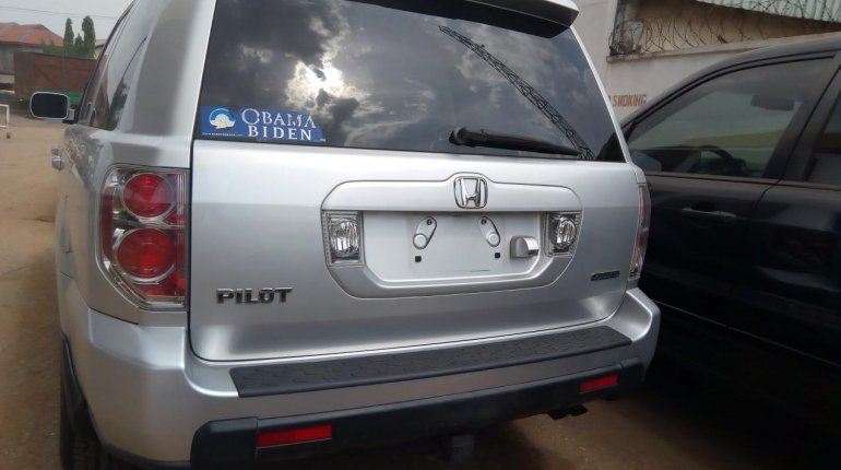 Foreign Used Honda Pilot 2006 Model Silver-3