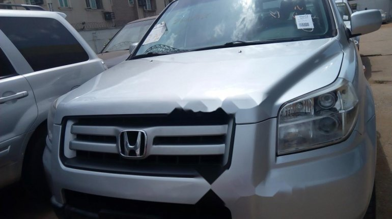 Foreign Used Honda Pilot 2006 Model Silver-9