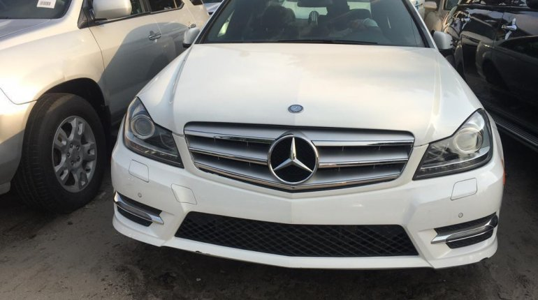 Foreign Used Mercedes-Benz C300 2014 Model White -2