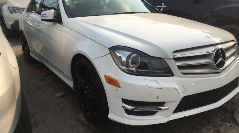 Foreign Used Mercedes-Benz C300 2014 Model White -10