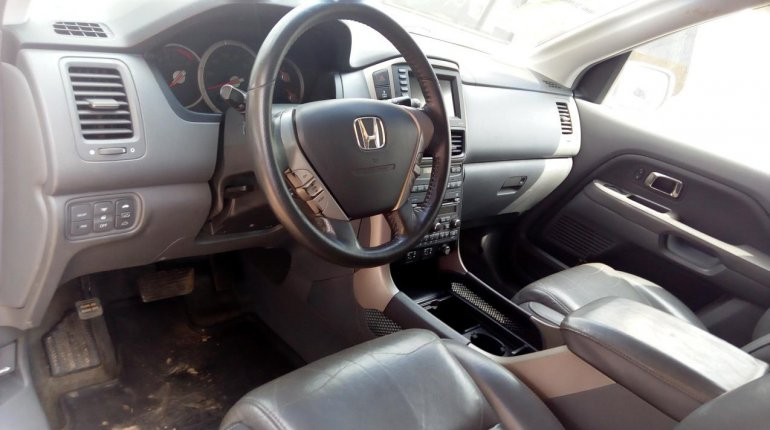 Foreign Used Honda Pilot 2006 Model Silver-6