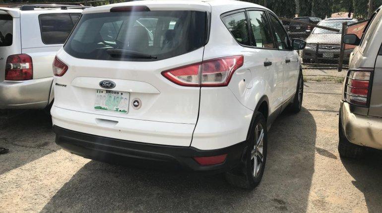Nigeria Used Ford Escape 2014 Model White-3