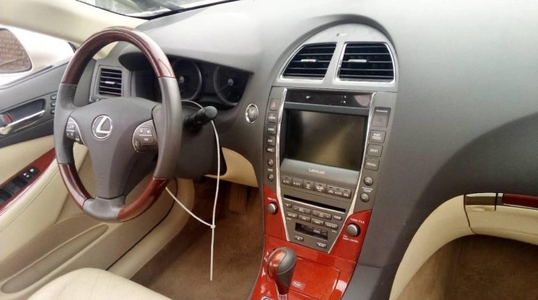 Foreign Used Lexus ES 2011 Model Gold -2