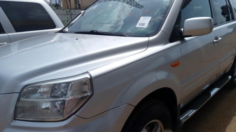 Foreign Used Honda Pilot 2006 Model Silver-5