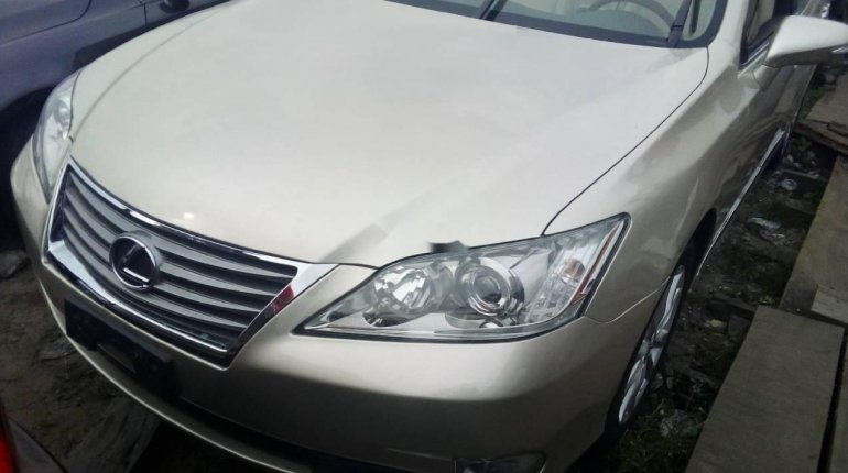 Foreign Used Lexus ES 2011 Model Gold -3