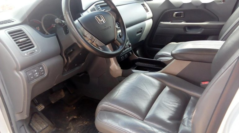 Foreign Used Honda Pilot 2006 Model Silver-7