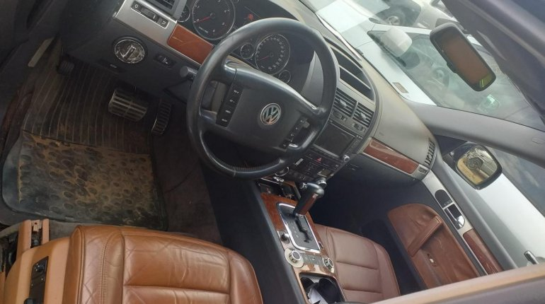Nigeria Used Volkswagen Touareg 2005 Model Black-0