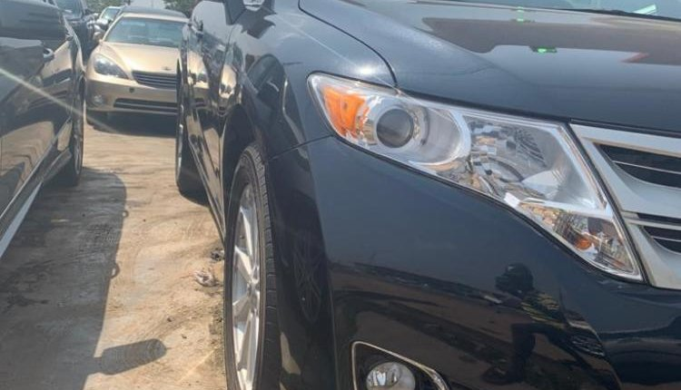 Foreign Used Toyota Venza 2013 Model Blue -0