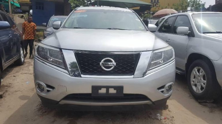 Foreign Used Nissan Pathfinder 2013 Model Silver-5