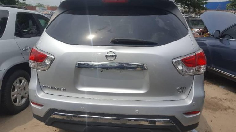 Foreign Used Nissan Pathfinder 2013 Model Silver-1