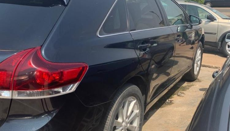 Foreign Used Toyota Venza 2013 Model Blue -4
