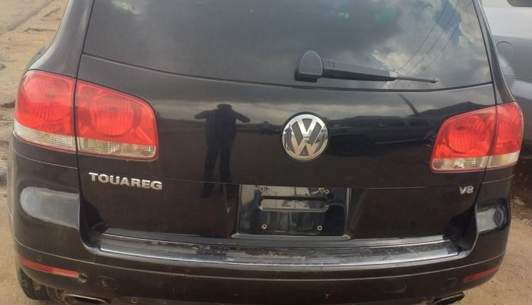 Nigeria Used Volkswagen Touareg 2005 Model Black-1