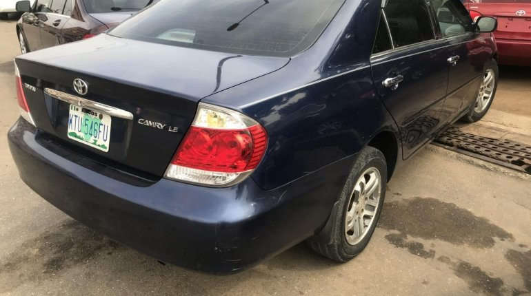 Neat Nigerian used 2006 Toyota Camry-1