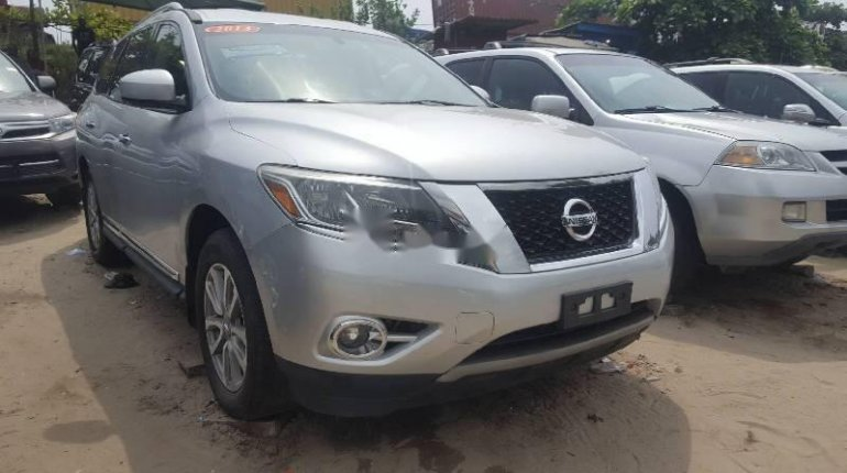 Foreign Used Nissan Pathfinder 2013 Model Silver-6