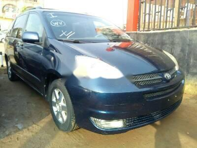 Neat Foreign used Toyota Sienna 2006-1