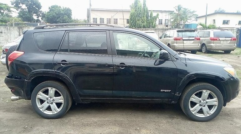 Neat Foreign used Toyota RAV4 2008-3