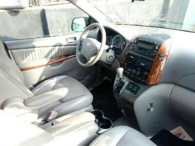 Neat Foreign used Toyota Sienna 2006-5
