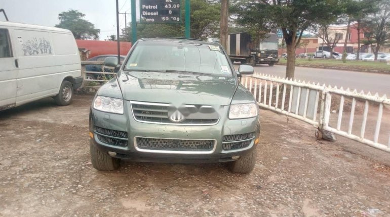 Very Clean Foreign used 2005 Volkswagen Touareg-1