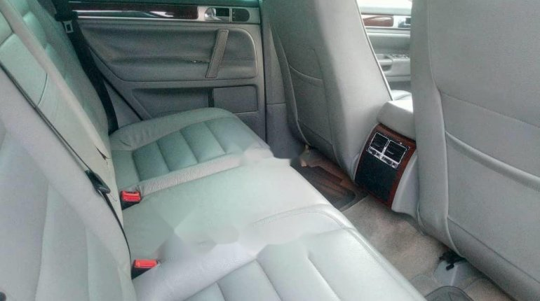 Very Clean Foreign used 2005 Volkswagen Touareg-6