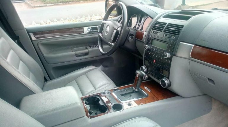 Very Clean Foreign used 2005 Volkswagen Touareg-0