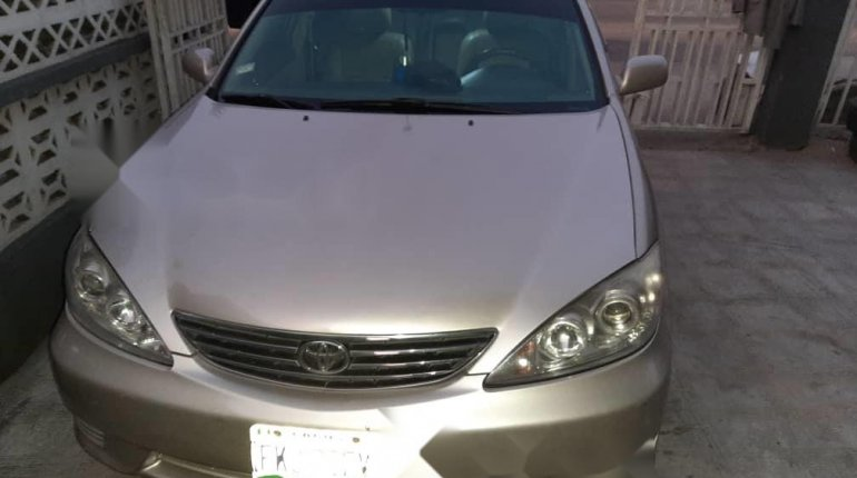 Nigeria Used Toyota Camry 2006 Model Gold -14