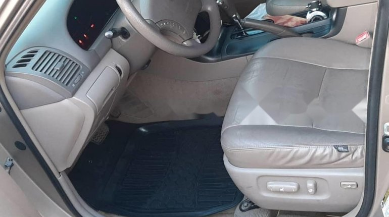 Nigeria Used Toyota Camry 2006 Model Gold -4