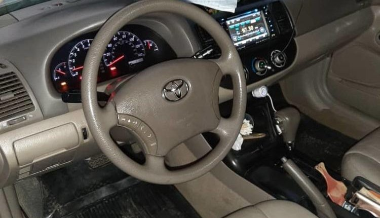 Nigeria Used Toyota Camry 2006 Model Gold -9