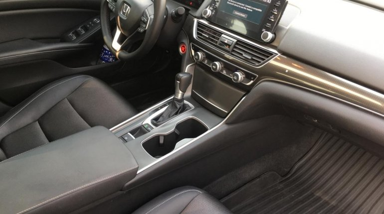 Foreign Used Honda Accord 2018 Model White-1