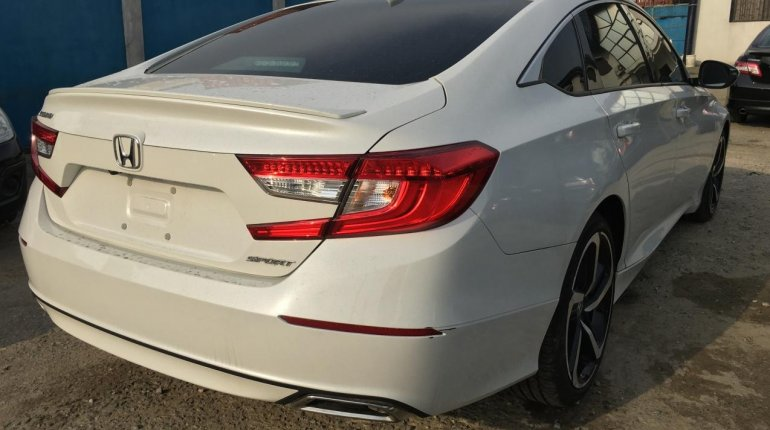 Foreign Used Honda Accord 2018 Model White-5