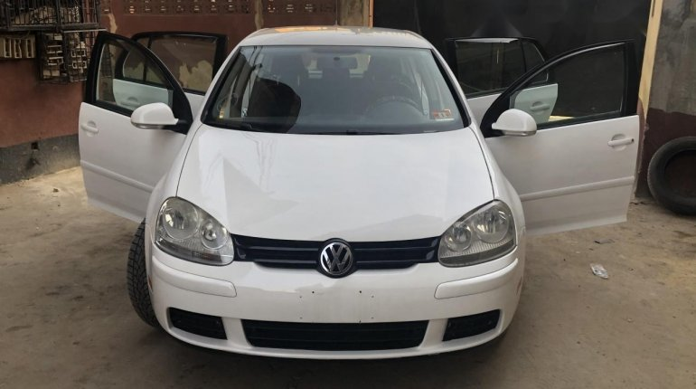 Foreign Used Volkswagen Rabbit 2009 Model White -9