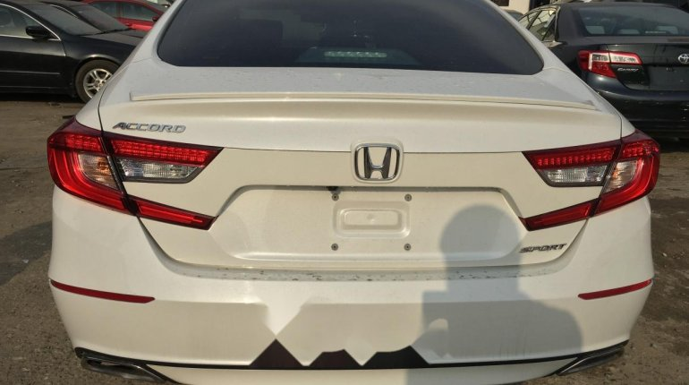 Foreign Used Honda Accord 2018 Model White-7