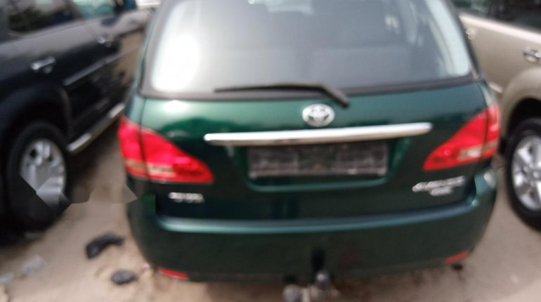Foreign Used Toyota Avensis 2005 Model Green -2