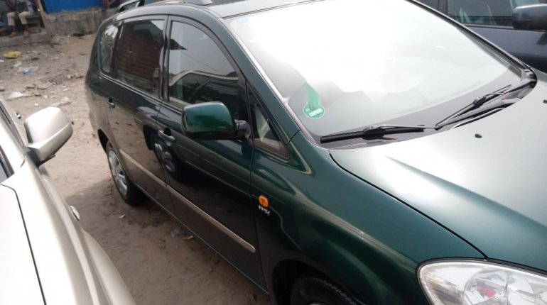 Foreign Used Toyota Avensis 2005 Model Green -4