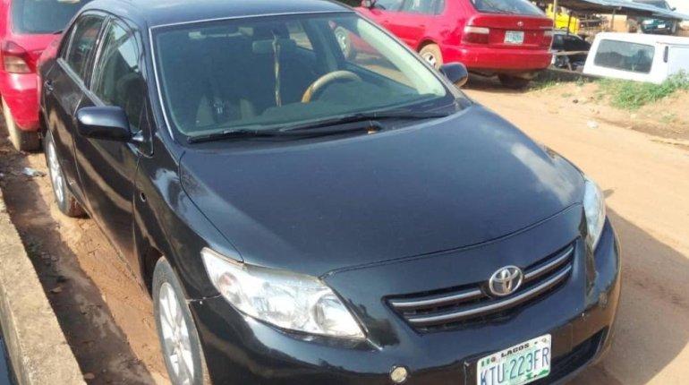 Nigeria Used Toyota Corolla 2010 Model Black -4