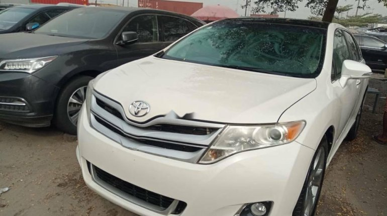 Foreign Used Toyota Venza 2015 Model White -1