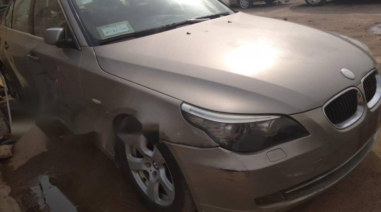 Foreign Used BMW 530i 2005 Model Gold -0