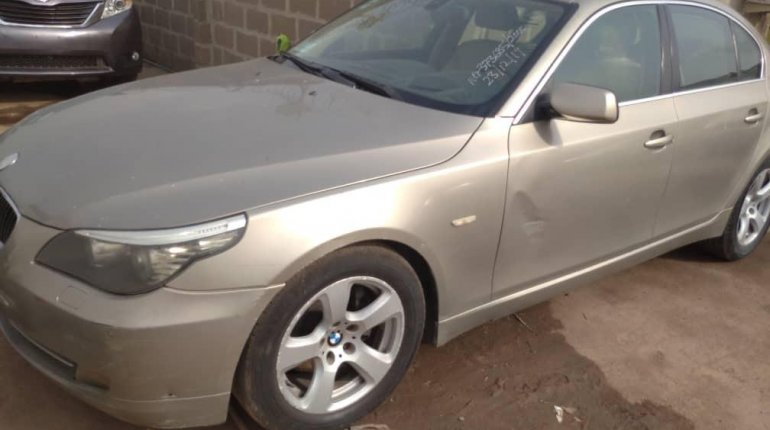 Foreign Used BMW 530i 2005 Model Gold -3
