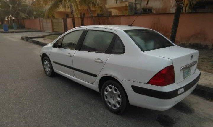 Nigeria Used Peugeot 307 2007 Model White-8