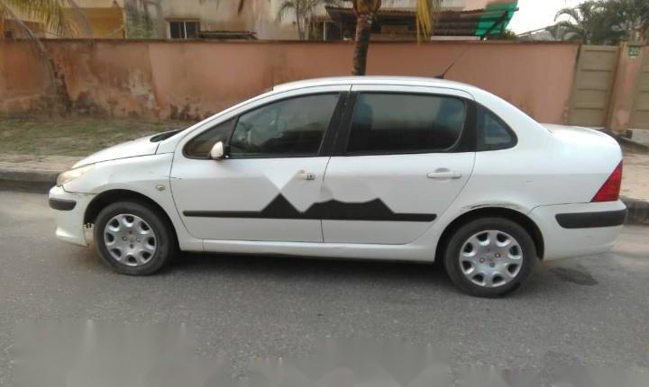 Nigeria Used Peugeot 307 2007 Model White-3